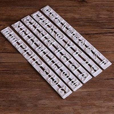 Набор вырубок Алфавит и цифры, 5 пр.