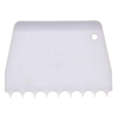 Скребок пластиковый с круглыми зубцами
