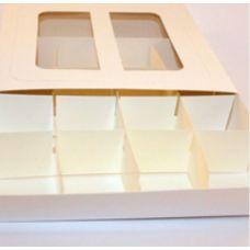 Коробка для конфет белая с окном и ручками