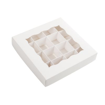 Коробка для конфет белая с окном
